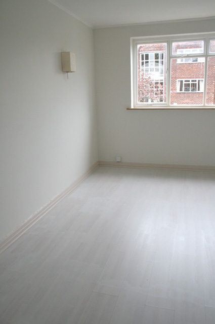 Paint Your Laminate Flooring Credit Crunch Style The