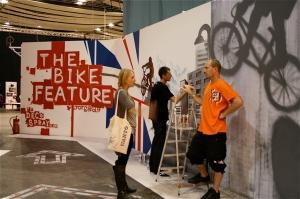 The team at Deco Spray create the entrance