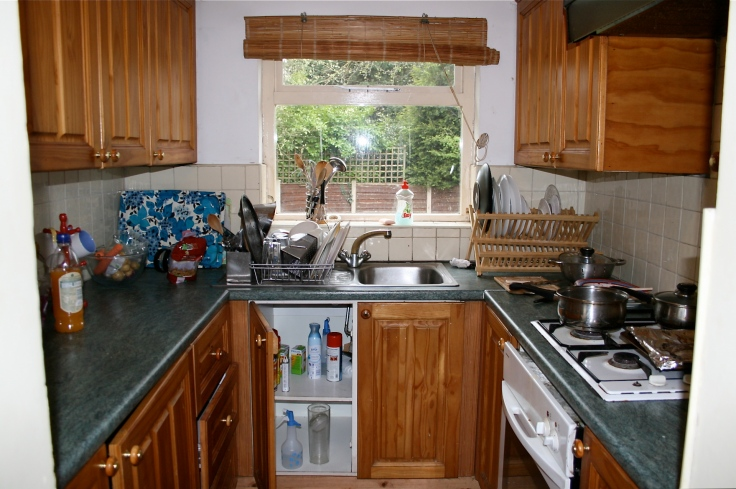 Green worktops and dark pine units, mmmmmmmm