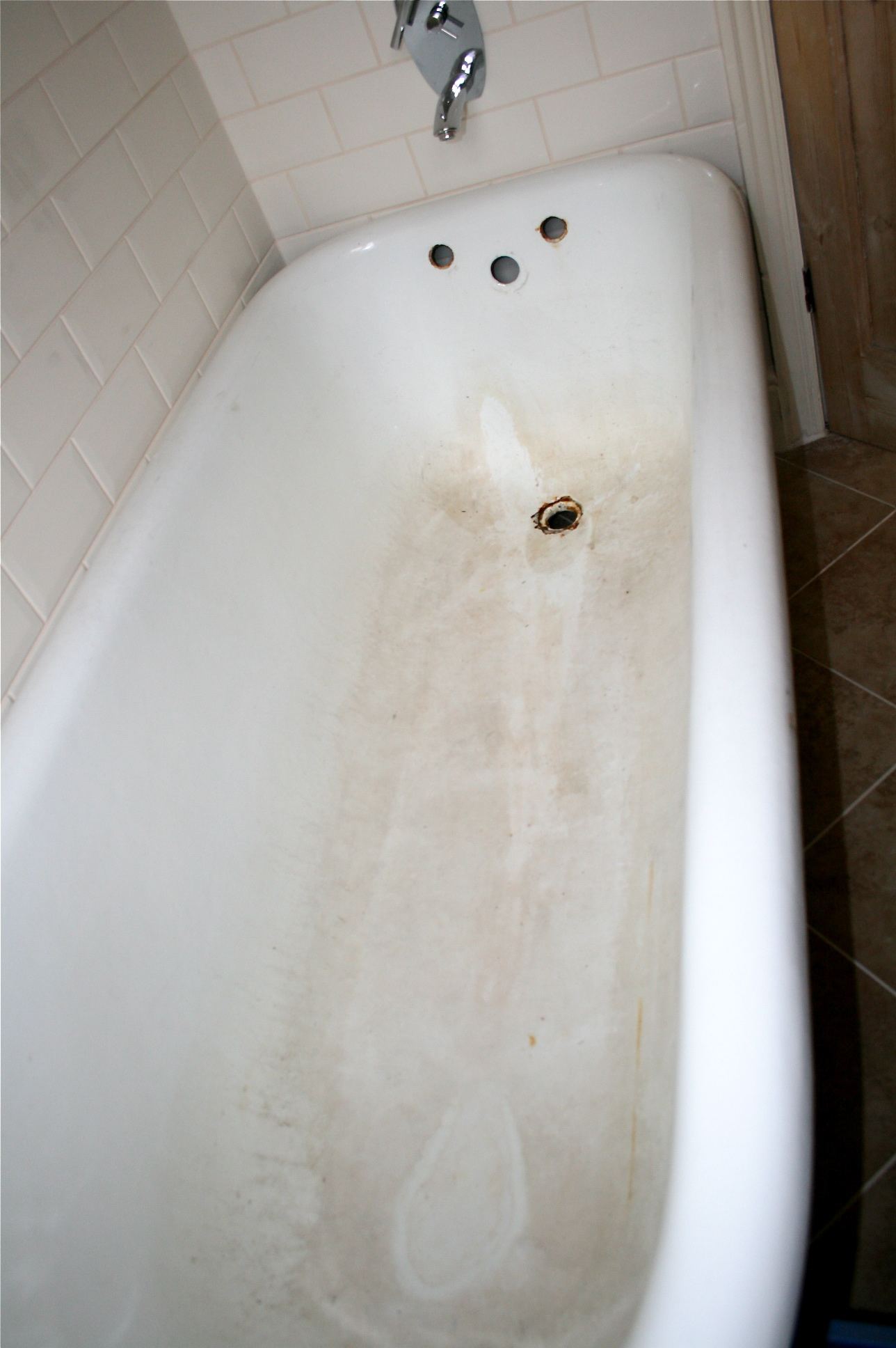 Design & Video: How to re-enamel a cast iron bath – THE MOREGEOUS ...