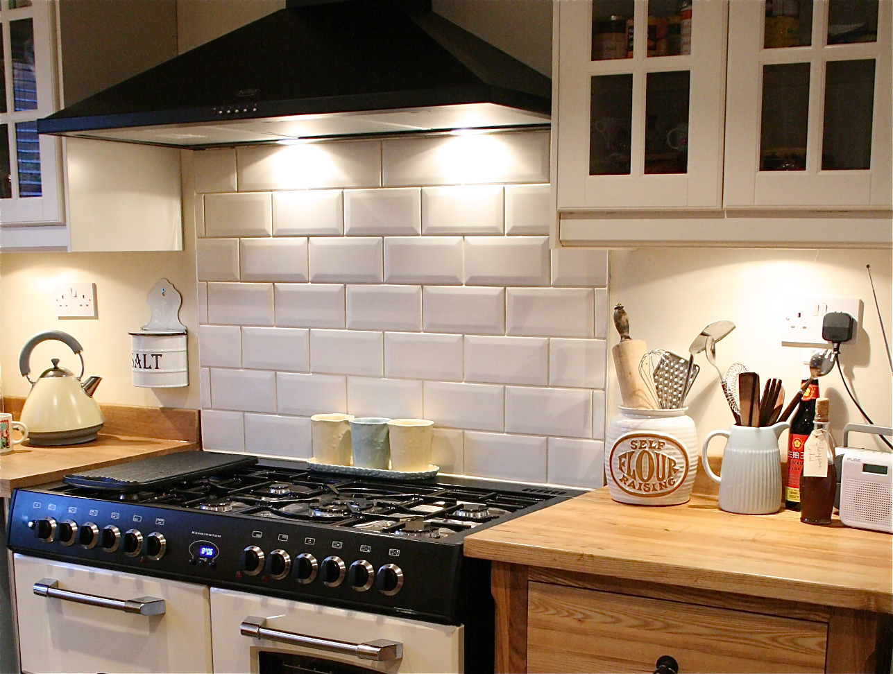 how to tile bathrooms or kitchens using metro or subway tiles  - below