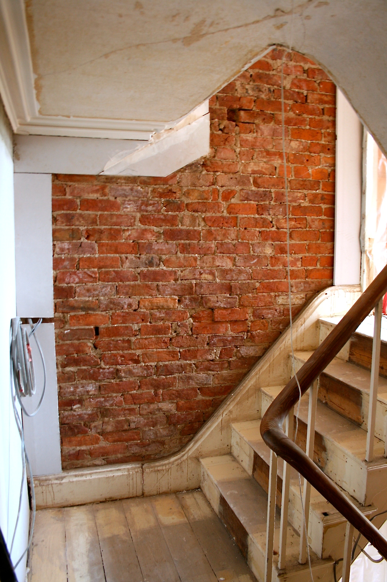 do up diary 64 forming a frame around exposed bricks. Black Bedroom Furniture Sets. Home Design Ideas