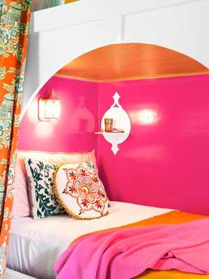 Hot pink gloss wall