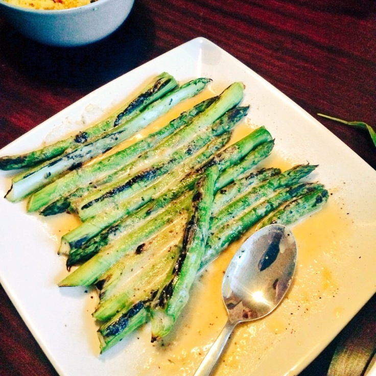 Chargrilled asparagus & hollandaise