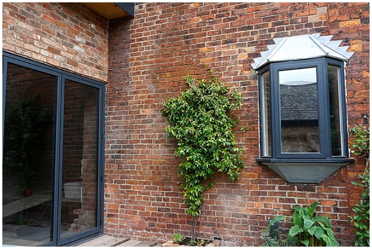 Replacing an existing oriel window
