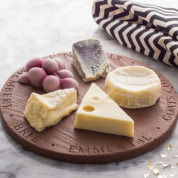 normal_chocolate-cheese-board-for-after-dinner