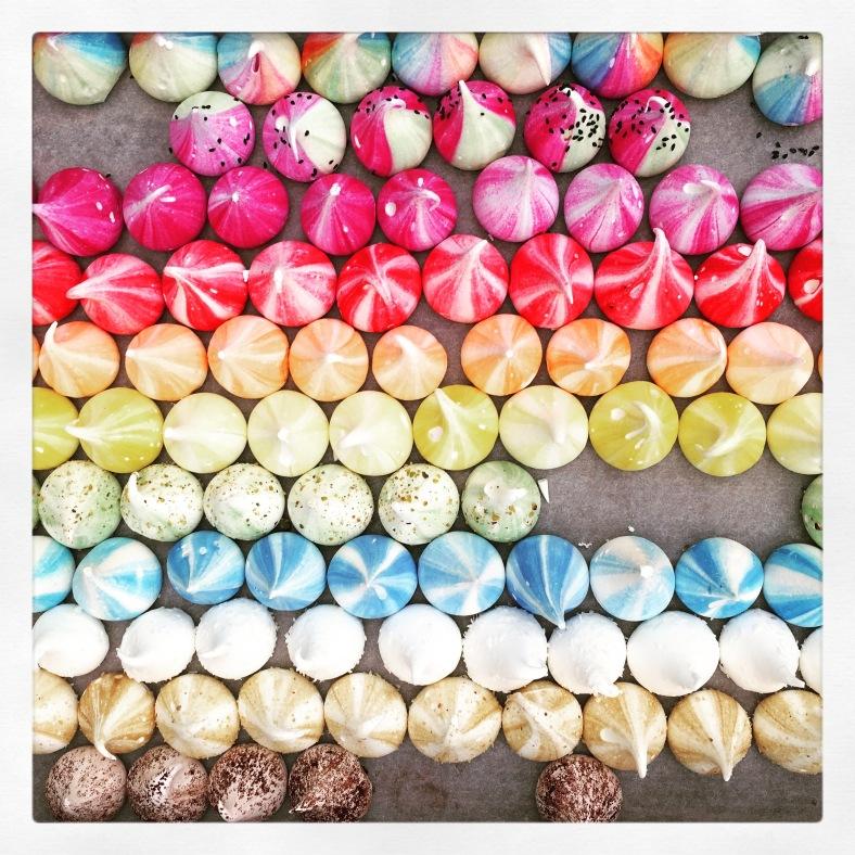 moregeous-colourful-meringue-kisses