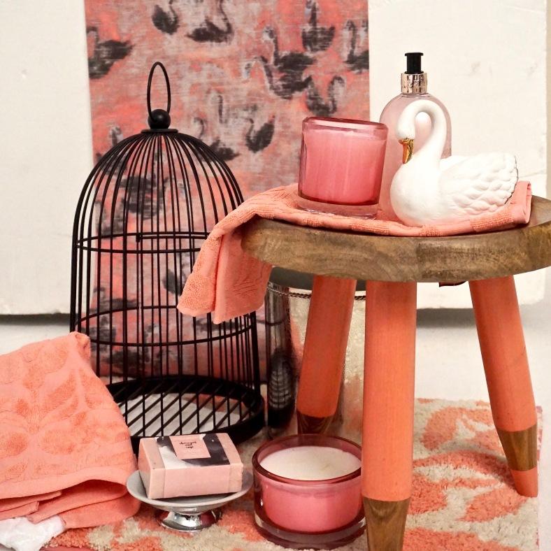 Pink swan wallpaper