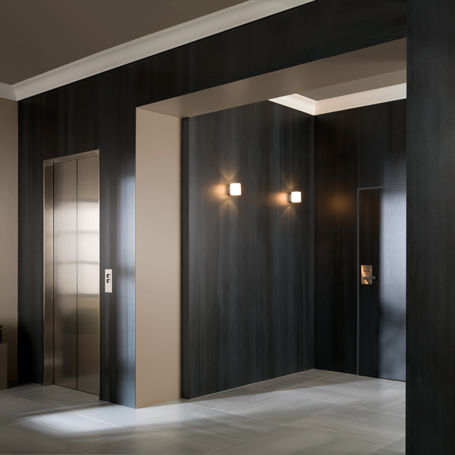 Porcelanosa-Grupo_MosBuild2014_Urbatek_XLight_Concrete-Black-Nature_1449